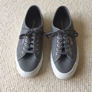 New Superga Classic Sneakers Size 8